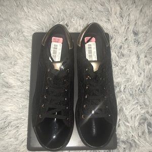 Women's-Geox Patent size 9 Detail Trainers -Black